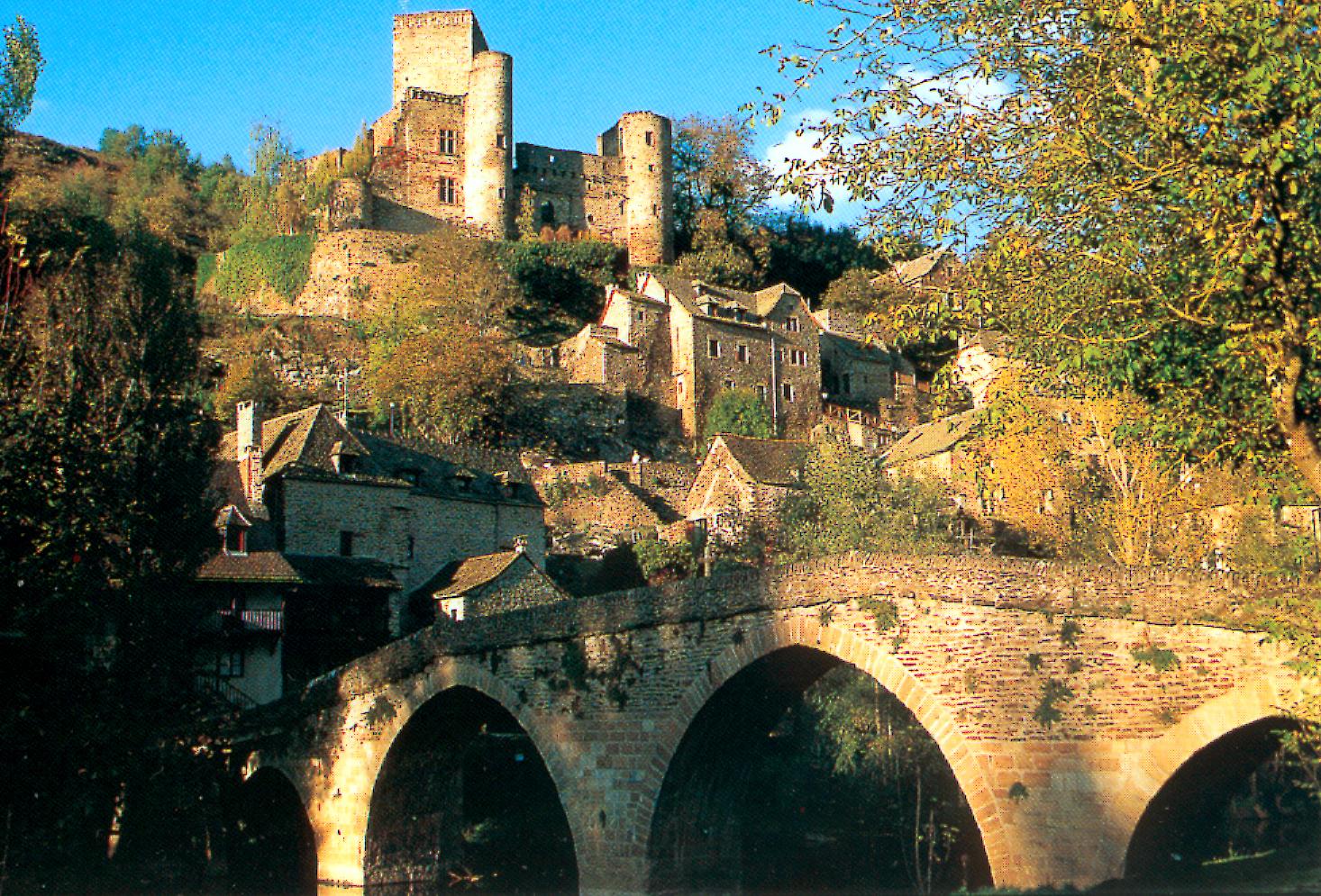 restaurant gastronomique aveyron vieux pont belcastel