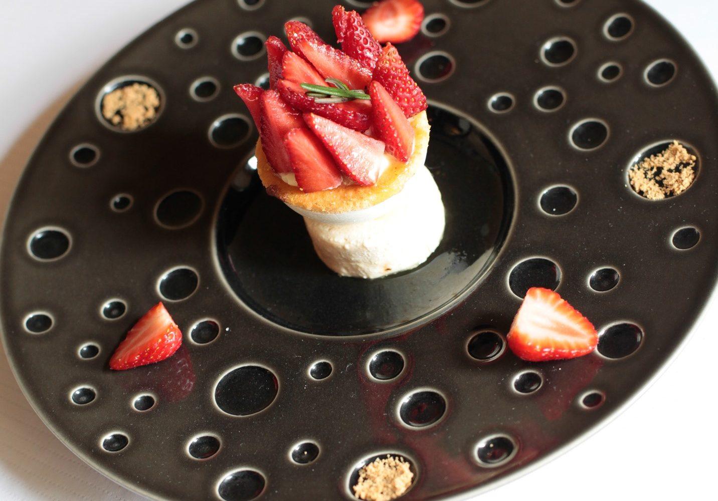 panier de fraises, parfait gâteau à la broche